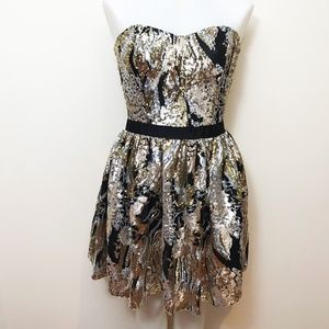 Gold And Silver Strapless Sweetheart Guess dress